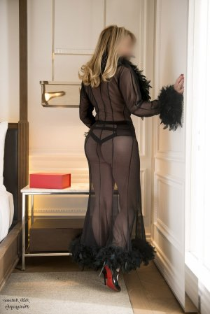 Graciella adult dating in Endwell New York